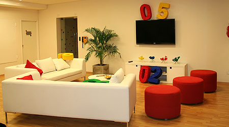Oficinas de google que lujo un poquito de todo for Google argentina oficinas